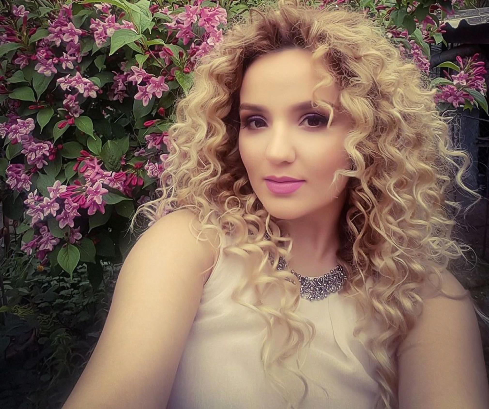 Ana ZAMFIRESCU